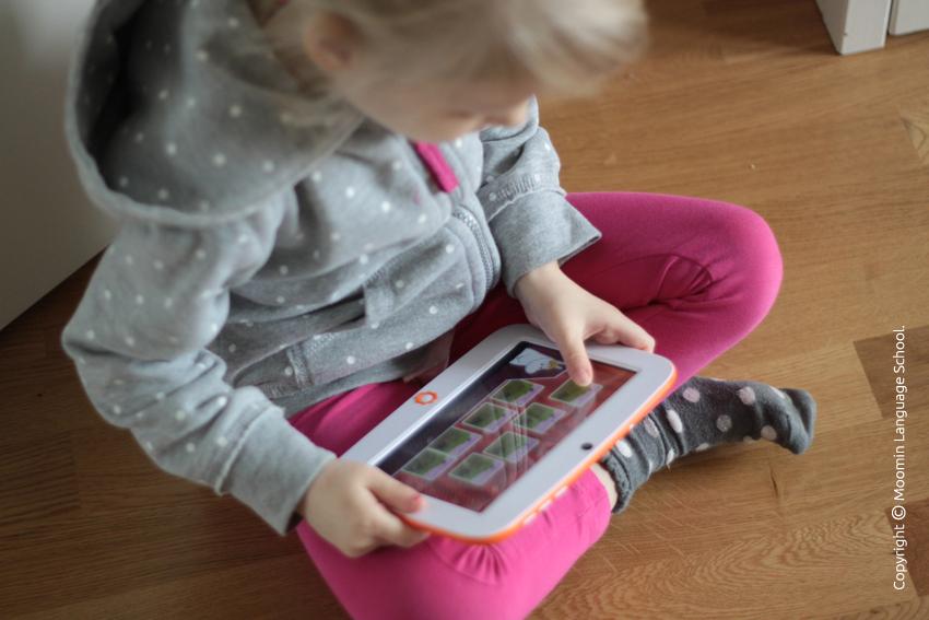 A child using Moomin Language School